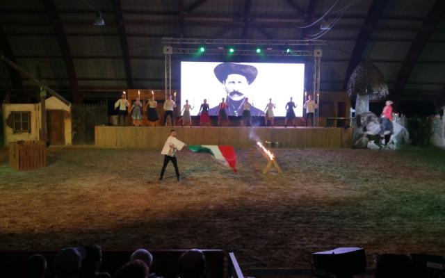 A legenda folytatódik…elkezdődött a lovasszínházi évad