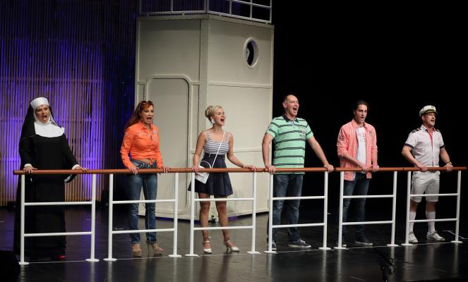 Pánik a fedélzeten musical comedy február 11-én az Aranyszömben