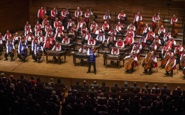 100 Tagú Cigányzenekar Dél-Alföldi Nyárköszöntő Nagykoncertje Mórahalmon 2019. június 26-án