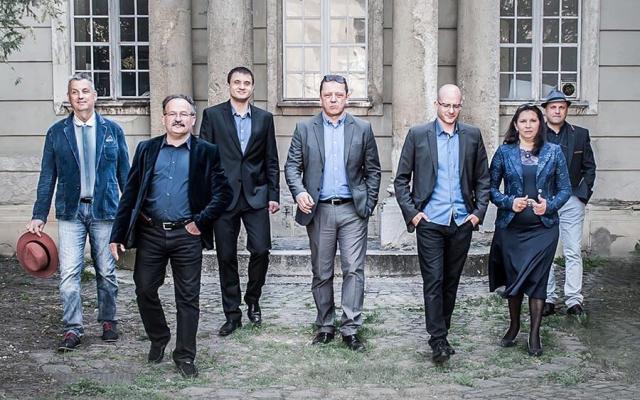 Csík zenekar koncertje Mórahalmon