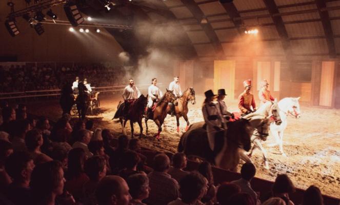 Az eredetileg meghirdetett időpontokban tervezzük megtartani a lovas előadásainkat