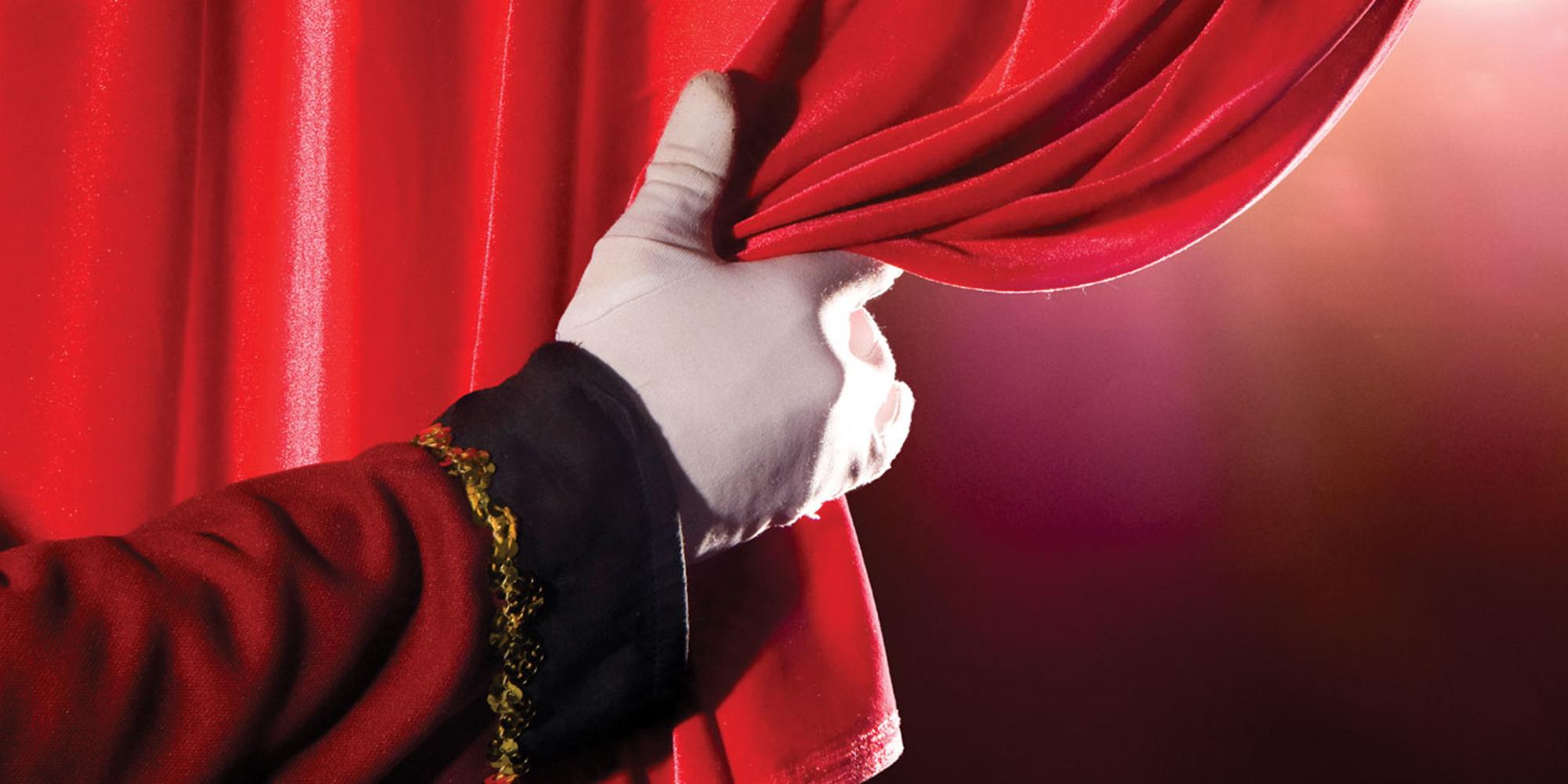 Október 25-én elkezdődött az új színházi évad az Aranyszöm Rendezvényházban!