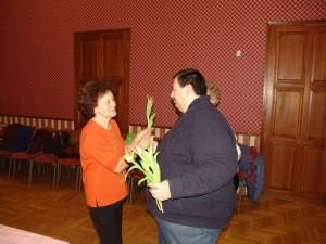 A Napfény Nyugdíjas Klub nőnapi délutánja az Aranyszömben